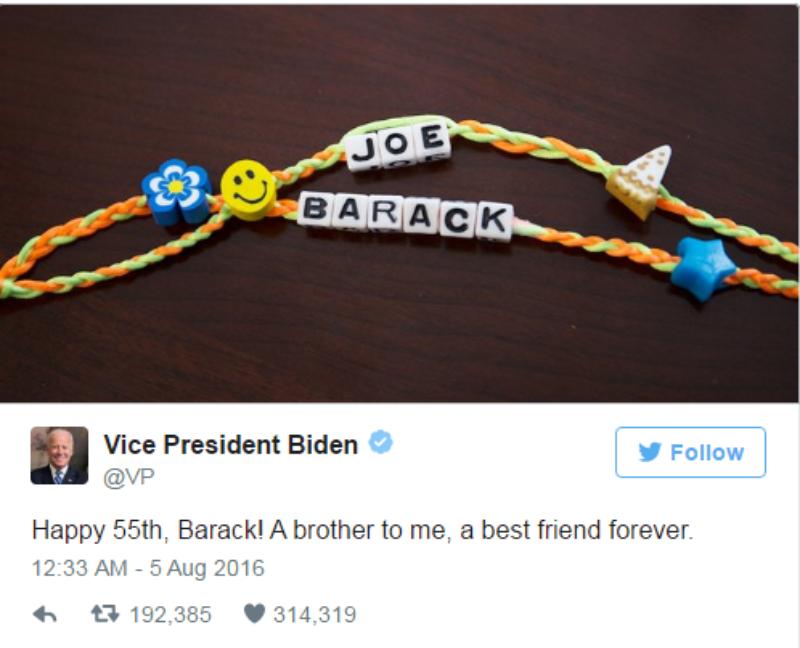 Joe Biden mừng sinh nhật Obama