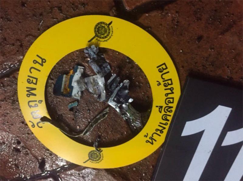 Các miểng bom tự chế cảnh sát thu thập được tại Hua Hin (Thái Lan).