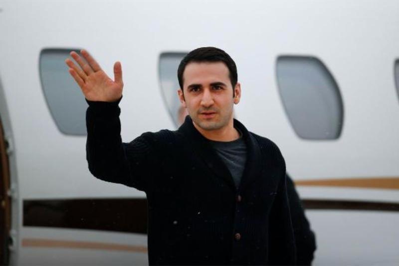 Công dân Mỹ Amir Hekmati vốn là lính thủy đánh bộ tại sân bay quốc tế Bishop (Michigan, Mỹ) ngày 21-1, sau khi được Iran trả tự do.