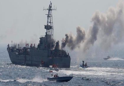 Tàu Iran trong một lần tập trận ở vịnh Persian.
