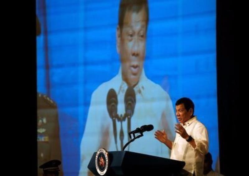 Tổng thống Duterte phát biểu trước cộng đồng người Philippines tại Jakarta (Indonesia) ngày 9-9.