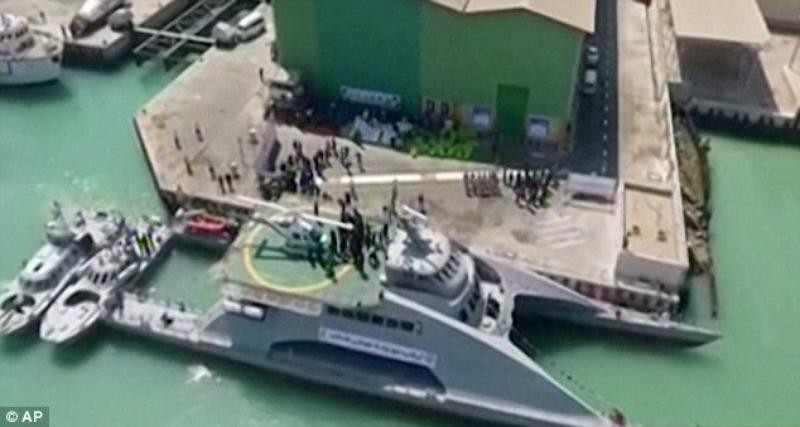 Tàu chiến tốc độ cao Iran có 2 lớp thân, chở được một trực thăng và 100 thủy thủ.
