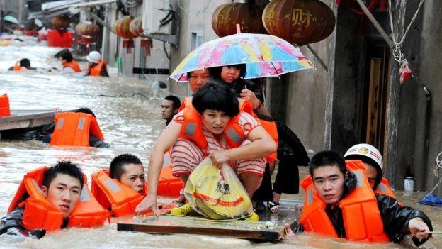 Siêu bão Megi gây lụt lớn ở tỉnh Phúc Kiến (Trung Quốc).