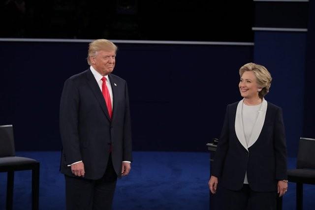 Tranh luận lần 2: Trump sẽ cho Clinton đi tù nếu thắng  - ảnh 1
