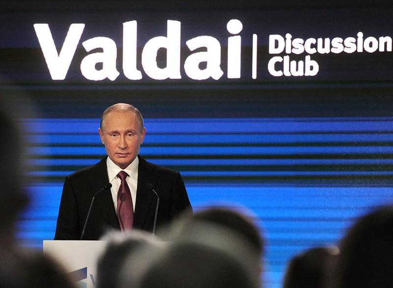 Tổng thống Nga Putin phát biểu tại Câu lạc bộ thảo luận quốc tế Valdai tại Sochi (Nga) ngày 27-10.