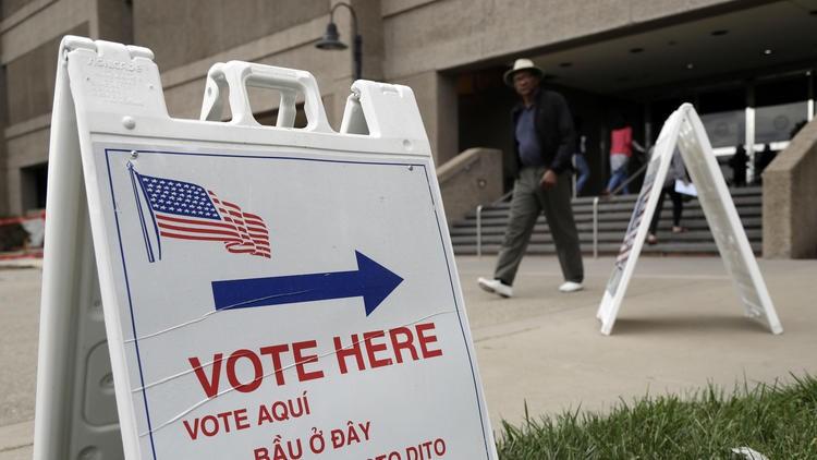 Một điểm bầu cử ở hạt Santa Clara (bang California).