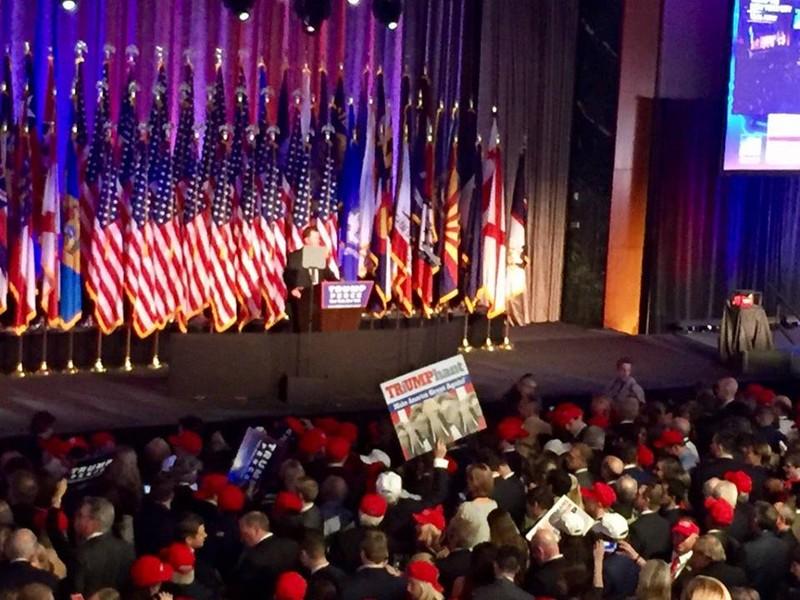 Chính thức: Thắng áp đảo, Trump thành tổng thống Mỹ! - ảnh 4