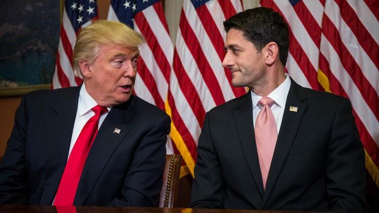 Chủ tịch Hạ viện Paul Ryan (phải) và ông Trump gặp nhau hòa giải ngày 10-11.