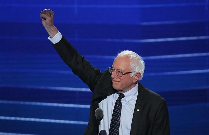 Ông Sanders ủng hộ người biểu tình phản đối ông Trump và hủy bỏ hệ thống Đại cử tri đoàn.