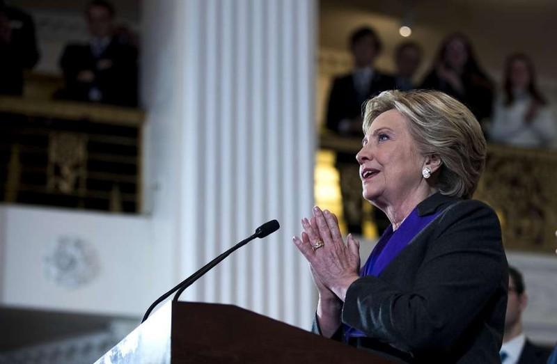 Bà Clinton dù thua cuộc nhưng cách xa ông Trump về số phiếu phổ thông.
