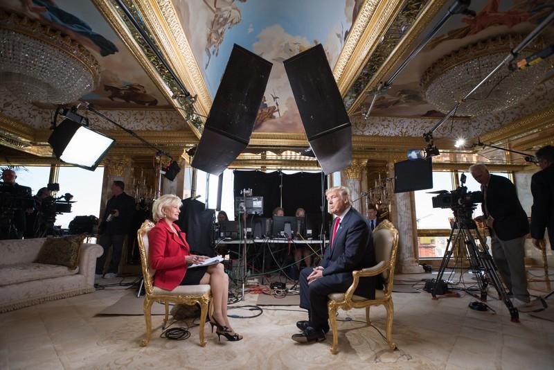 """Ông Trump và người dẫn chương trình  Lesley Stahl  của CBS NEWS trong chương trình """"60 Minutes""""."""