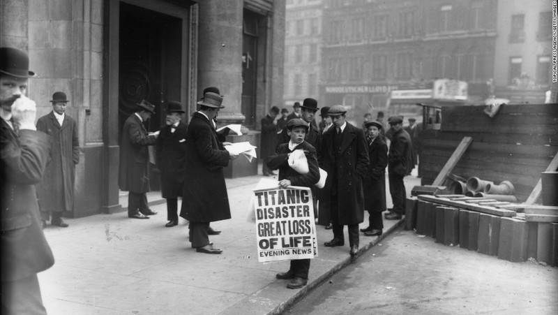 Sự kiện tàu Titanic chìm được lên báo Anh ngày 16-4-1912. Ảnh: CNN