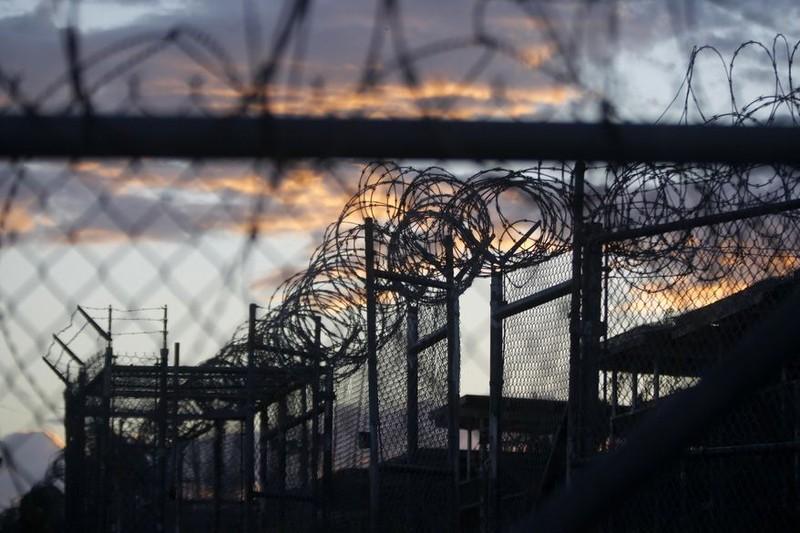 Trong 8 năm, Tổng thống Obama đã di chuyển hơn ¾ tù nhân khỏi nhà tù Guantanamo. Ảnh: AP