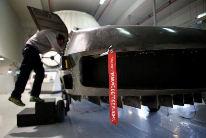 """""""Xe bay"""" Cormorant có kích cỡ bằng một ô tô gia đình. Ảnh: REUTERS"""