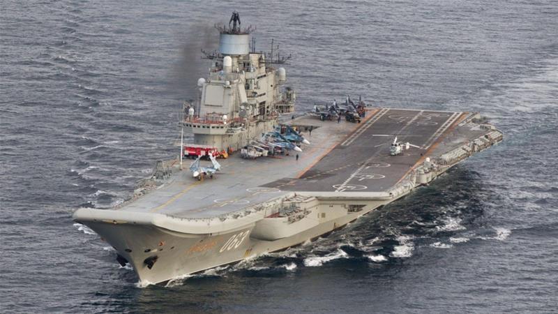 Đội tàu chiến do tàu sân bay Đô đốc Kuznetsov dẫn đầu sẽ là đơn vị đầu tiên rời Syria. Ảnh: REUTERS