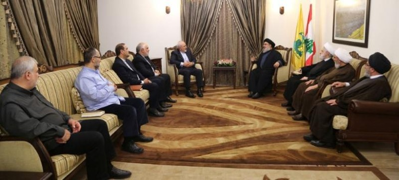 Thủ lĩnh Hezbollah Sayyed Hassan Nasrallah (phải) trong một cuộc gặp Ngoại trưởng Iran Mohammad Javad Zarif. Ảnh: Văn phòng thông tin HEZBOLLAH công bố ngày 8-11-2016