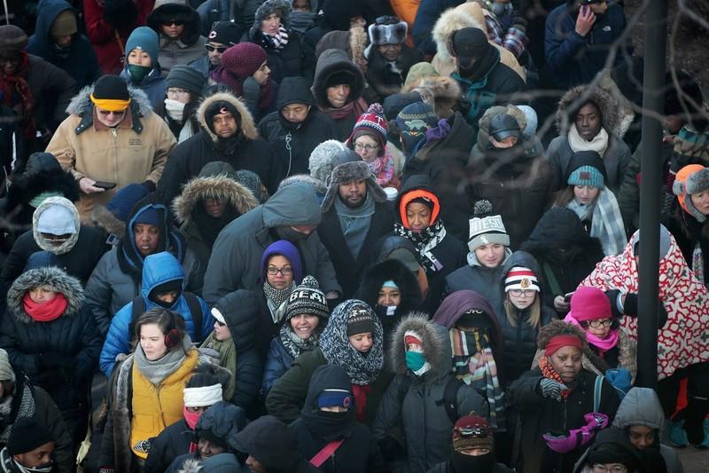 Người dân từ nhiều địa phương khác cũng đổ về Chicago nghe Tổng thống Obama phát biểu chia tay. Ảnh: GETTY IMAGES