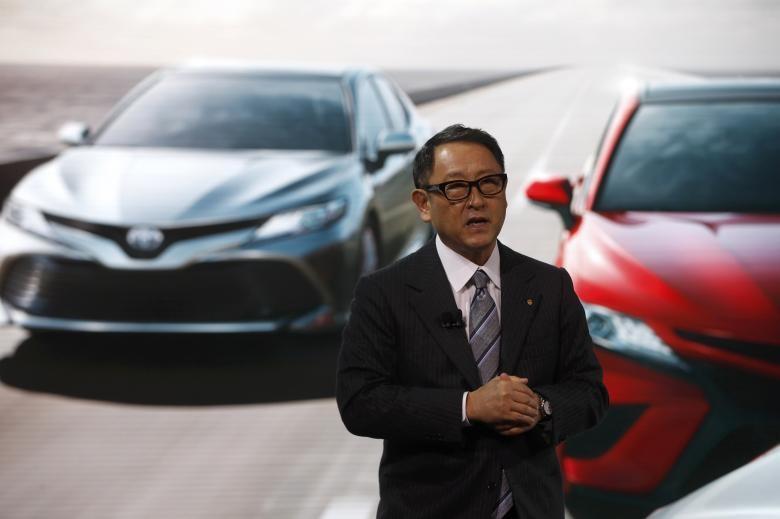 Ông Akio Toyoda - Chủ tịch Toyota tại buổi triển lãm xe ở Detroit (Michigan, Mỹ) ngày 9-1. Ảnh: REUTERS