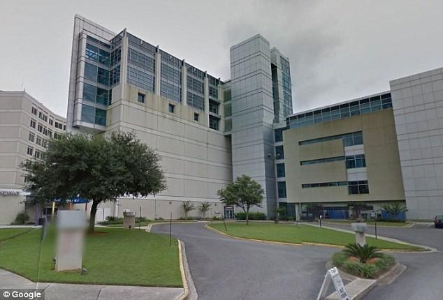 Bệnh viện UF Health Jacksonville, nơi cô bé Kamiyah Morley bị bắt đi. Ảnh: DAILY MAIL