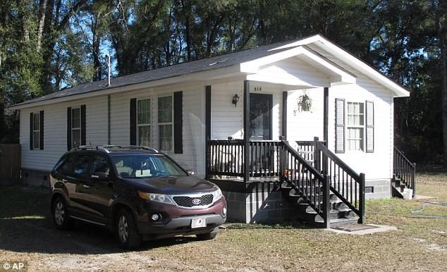 Căn nhà nơi cô Kamiyah Mobley sống 18 năm qua. Ảnh: AP