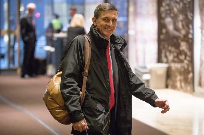 Ông Michael Flynn đến cao ốc Trump Tower ngày 3-1. Ảnh: AP
