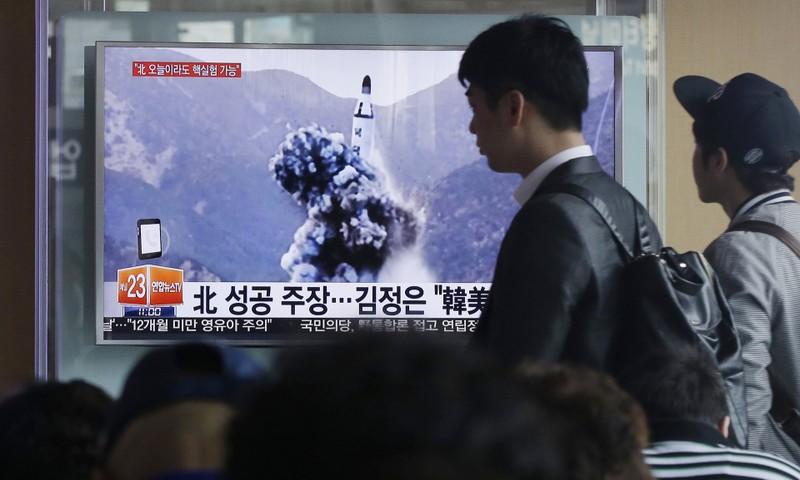 Hàn Quốc đưa tin về môt vụ phóng tên lửa của Triều Tiên tháng 4-2016. Ảnh: AP