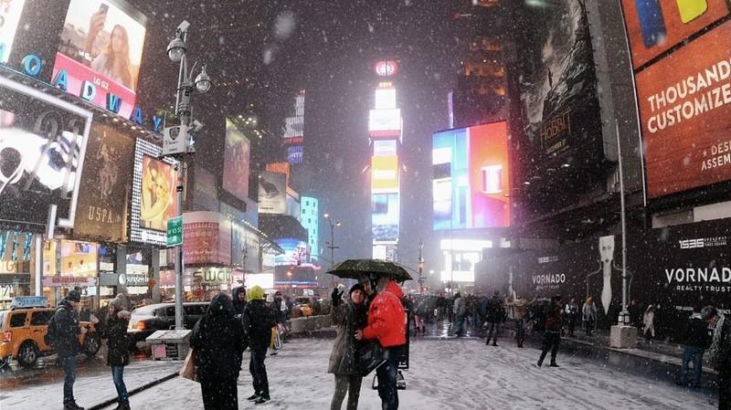 Quảng trường Thời đại (New York, Mỹ) luôn nổi bật với vô số các quảng cáo của các doanh nghiệp mỗi năm. Ảnh: AFP