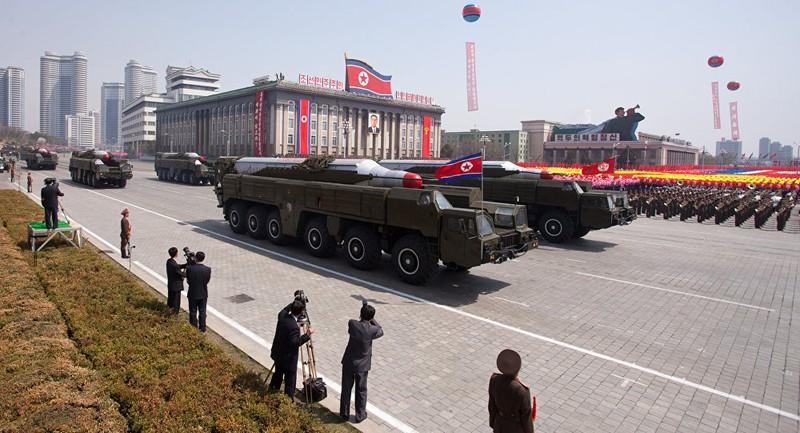 Tên lửa Musudan của Triều Tiên trong một cuộc diễu hành quân sự ở Bình Nhưỡng hồi tháng 4-2012. Ảnh: AFP
