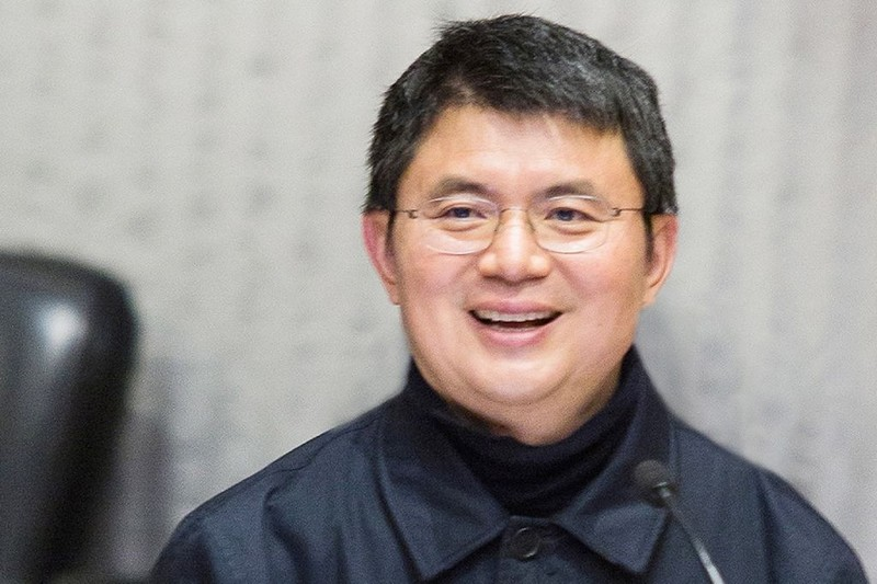 """Tỷ phú Tiêu Kiến Hoa đang ở Trung Quốc """"hỗ trợ điều tra"""" vụ thị trường chứng khoán suy sụp năm 2015. Ảnh: AFP"""