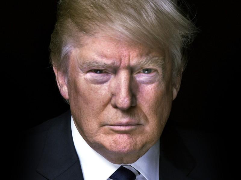 Tổng thống Trump phải uống thuốc chống rụng tóc và kiềm chế chứng đỏ mặt. Ảnh: USA TODAY