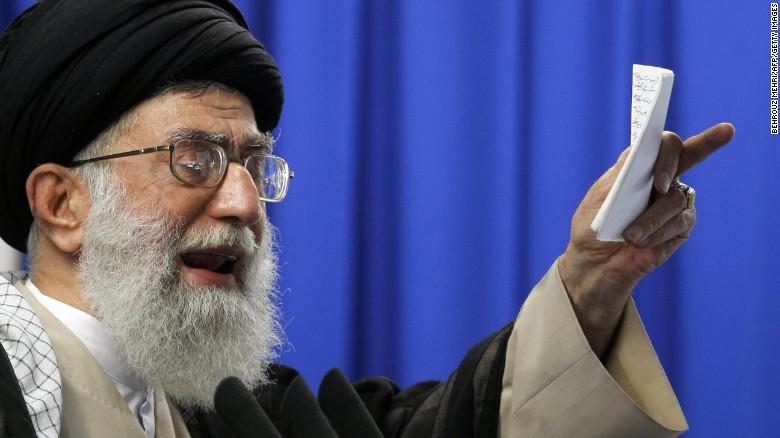 """Lãnh đạo tối cao Iran Ayatollah Ali Khamenei vừa """"cám ơn"""" Tổng thống Trump vì lột tả bộ mặt thật của Mỹ. Ảnh: CNN"""