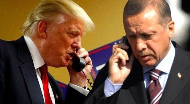Hai Tổng thống Trump (trái) và Erdogan cam kết cùng hợp tác chống khủng bố trong cuộc điện đàm ngày 7-2. Ảnh: SOTT