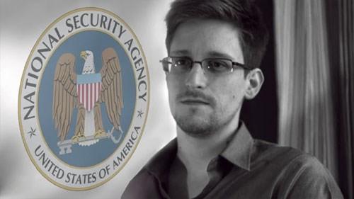 Nga đang tính dẫn độ cựu nhân viên NSA Edward Snowden về Mỹ để lấy lòng ông Trump? Ảnh: AFP