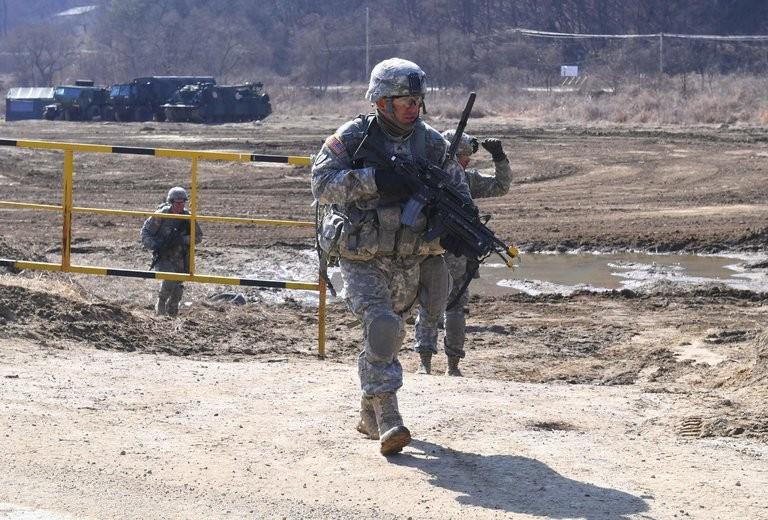 Lính Mỹ tại một cuộc tập trận ngày 7-3 ở Paju (Hàn Quốc), gần biên giới với Triều Tiên. Ảnh: AFP