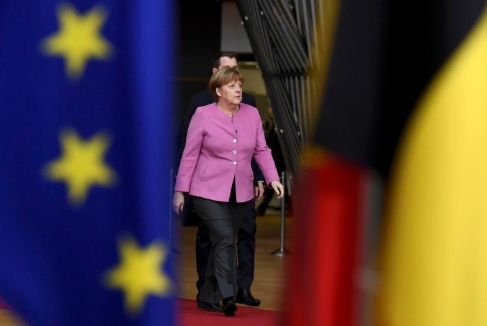 Thủ tướng Đức Angela Merkel đến tham dự hội nghị thượng đỉnh EU ở Brussels (Bỉ) ngày 9-3. Ảnh: REUTERS