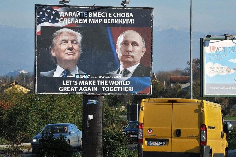Hai Tổng thống Mỹ Donald Trump (trái) và Nga Vladimir Putin tuyên bố sẽ cải thiện quan hệ hai bên. Ảnh: REUTERS