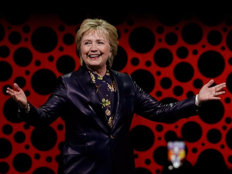 Bà Hillary Clinton phát biểu tại San Francisco, California (Mỹ) ngày 28-3. Ảnh: AP