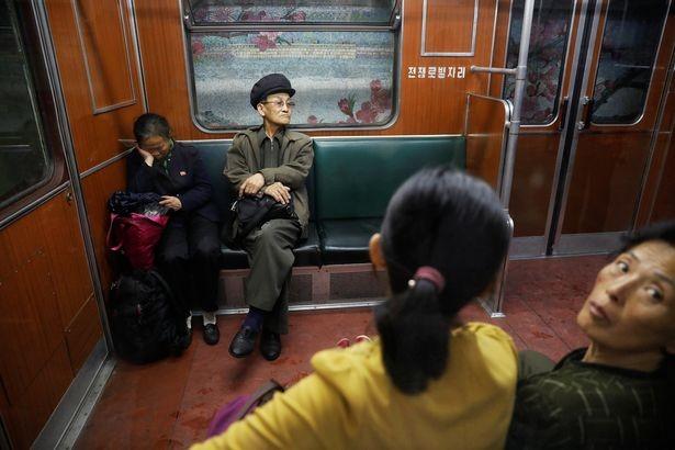 Giữa căng thẳng, Bình Nhưỡng đón mưa trong bình lặng - ảnh 3