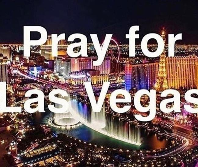 """Thông điệp """"Cầu nguyện cho Las Vegas"""" được đưa lên mạng xã hội INSTAGRAM"""