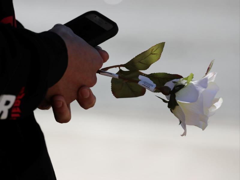 Tưởng niệm nạn nhân vụ xả súng, tại Las Vegas ngày 2-10. Ảnh: REUTERS