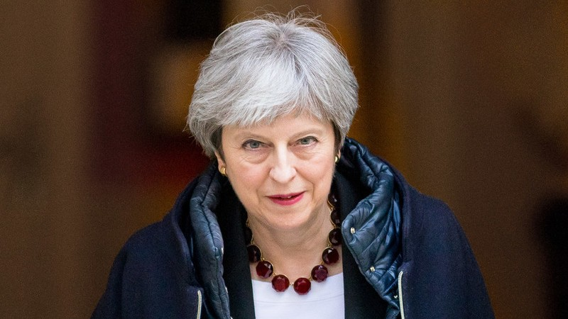 Thủ tướng Anh Theresa May họp khẩn nội các bàn quyết định về Syria. Ảnh: GLP