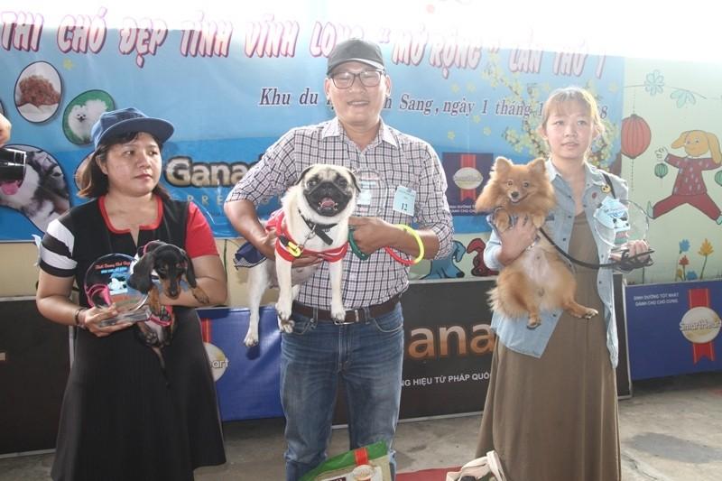 Lần đầu tiên miền Tây tổ chức thi nhan sắc cho chó - ảnh 1