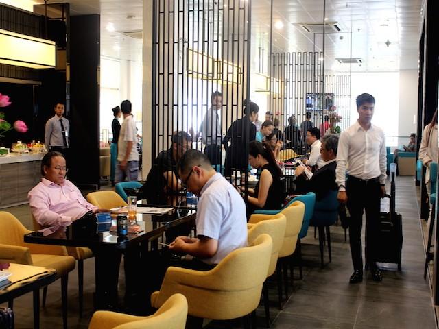 Cận cảnh phòng chờ chuẩn 4 sao ở ga quốc nội sân bay Tân Sơn Nhất - ảnh 3
