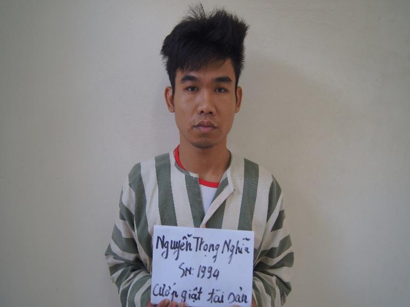 Bắt thanh niên mới ra tù thực hiện liên tiếp 8 vụ cướp - ảnh 1