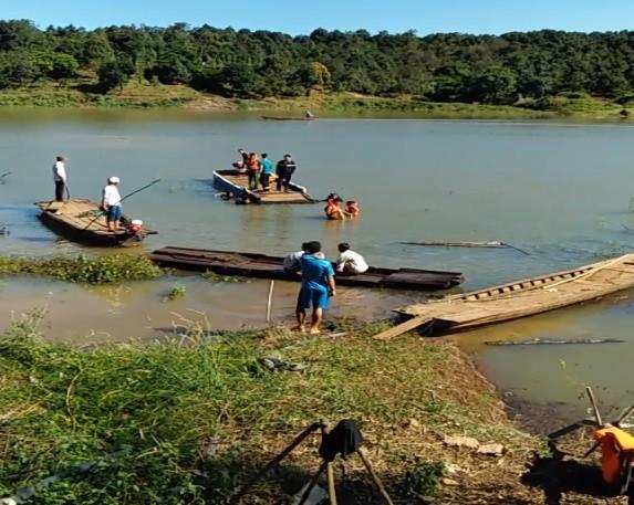 Bình Phước: Lật thuyền trên sông Lấp, 4 người tử vong - ảnh 1