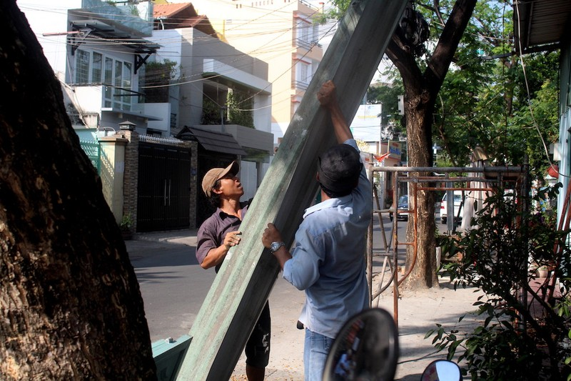 Tự nguyện tháo dỡ trụ sở khu phố trả vỉa hè cho dân - ảnh 3
