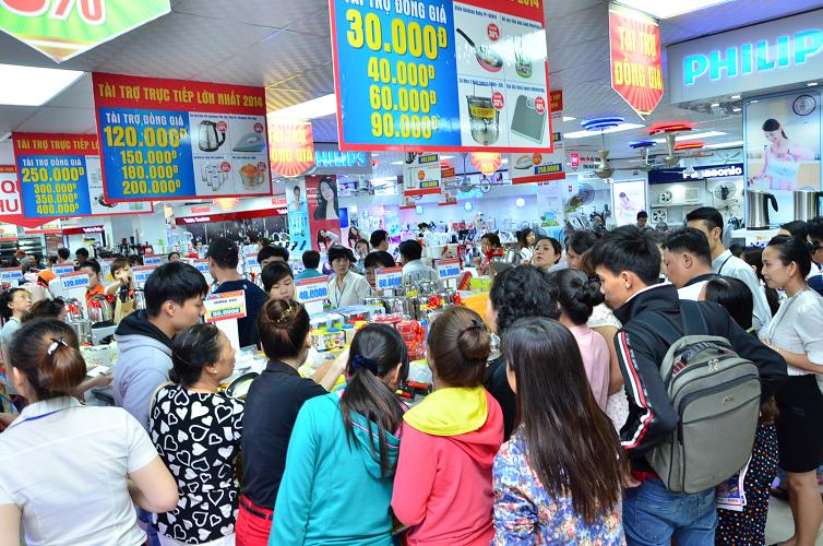 Nguyễn Kim tài trợ trực tiếp cho người tiêu dùng - ảnh 1