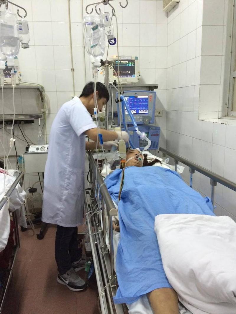 Bác sỹ trực Tết giành giật sự sống cho người bệnh - ảnh 2