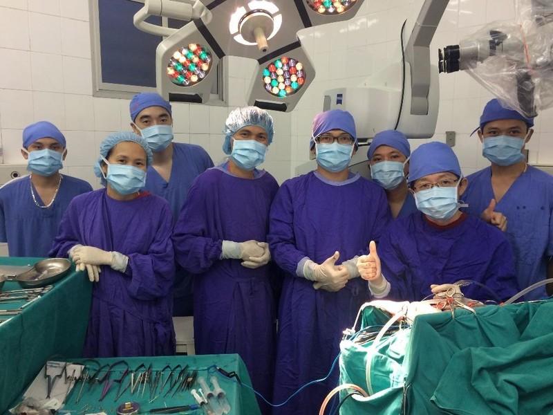 Phẫu thuật thành công ca phình động mạch cảnh hiếm gặp