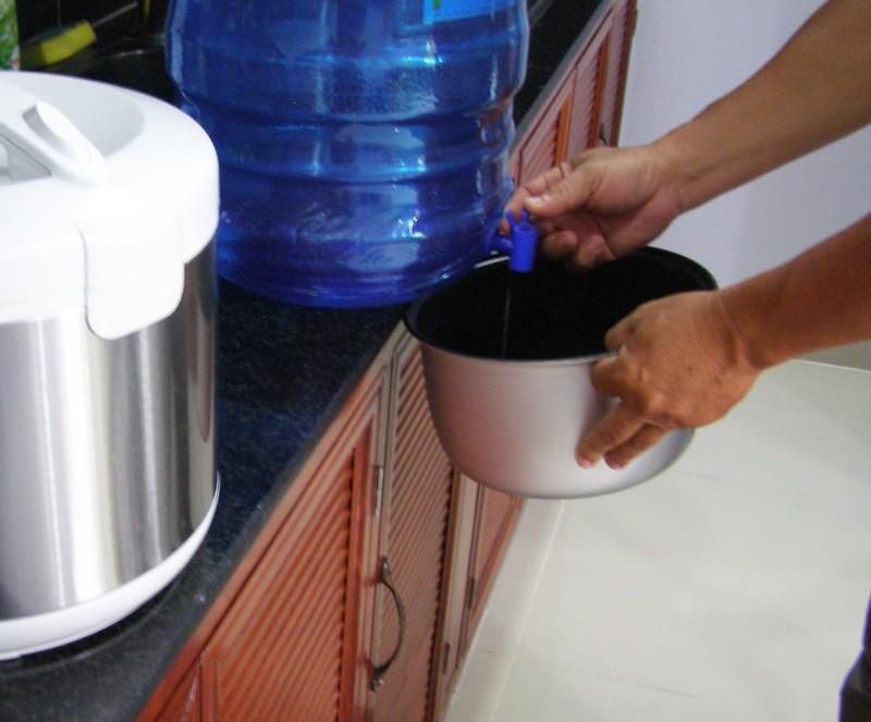 Nước chung cư chứa vi khuẩn gây bệnh gấp… 860 lần  - ảnh 1